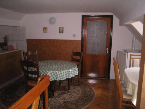 apartman 20101110 1614585017